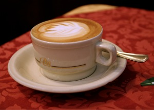 Italien-Cappuccino_PeB-Wikipedia-by-Chris-Brownjpg