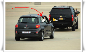 Papst-mit-Kleinauto-Fiat-in-USA-5-20150925-mitRand